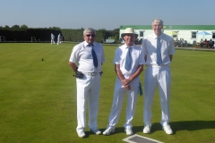 Veterans Singles - Keith Emberson & Bob Pashley with marker - Terry Tokeley
